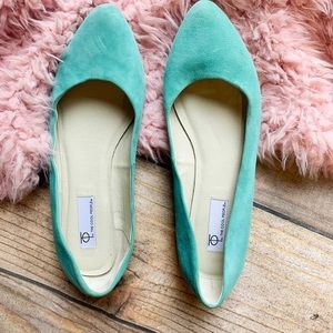 Steve Madden 4 The Cool People Suede Flats 8.5